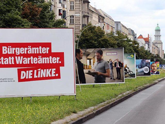 Wahlplakate in der Frankfurter Allee in Berlin: Bei der Abgeordnetenhauswahl käme die SPD nur noch auf 23 Prozent. Foto: Wolfgang Kumm/dpa