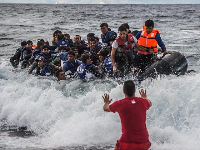 Seit dem EU-Türkei-Flüchtlingsdeal kommen weniger Flüchtlinge in Griechenland dafür mehr in Italien. Foto: Filip Singer/Archiv/dpa