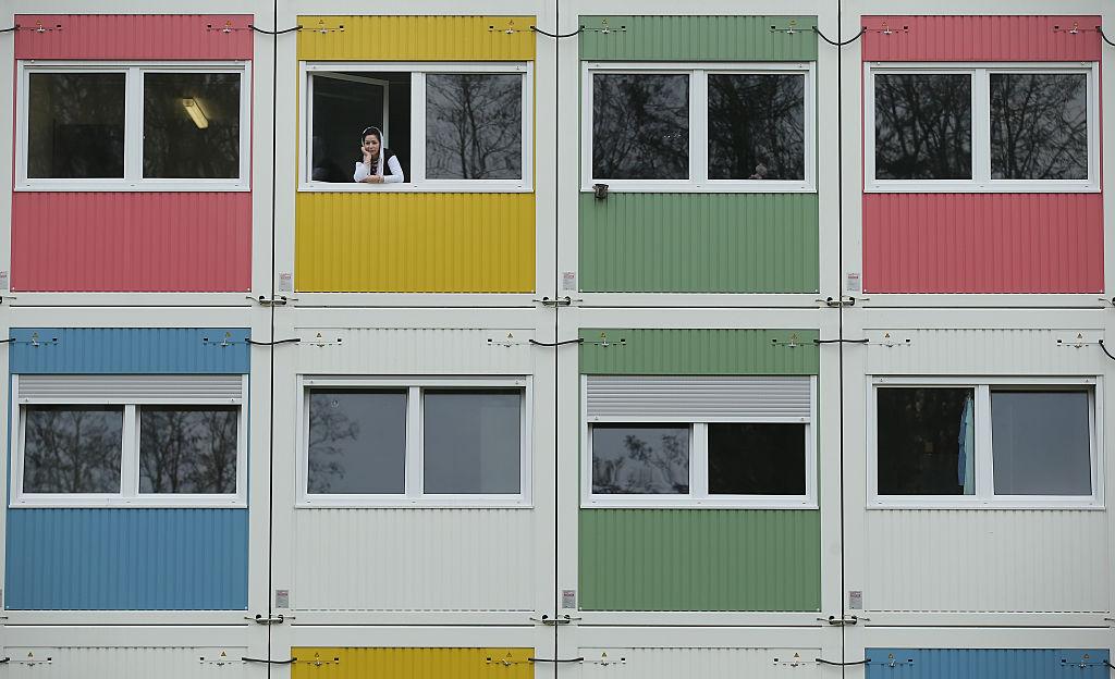 Keine günstigen Wohnungen: Studenten beziehen Flüchtlingsheime