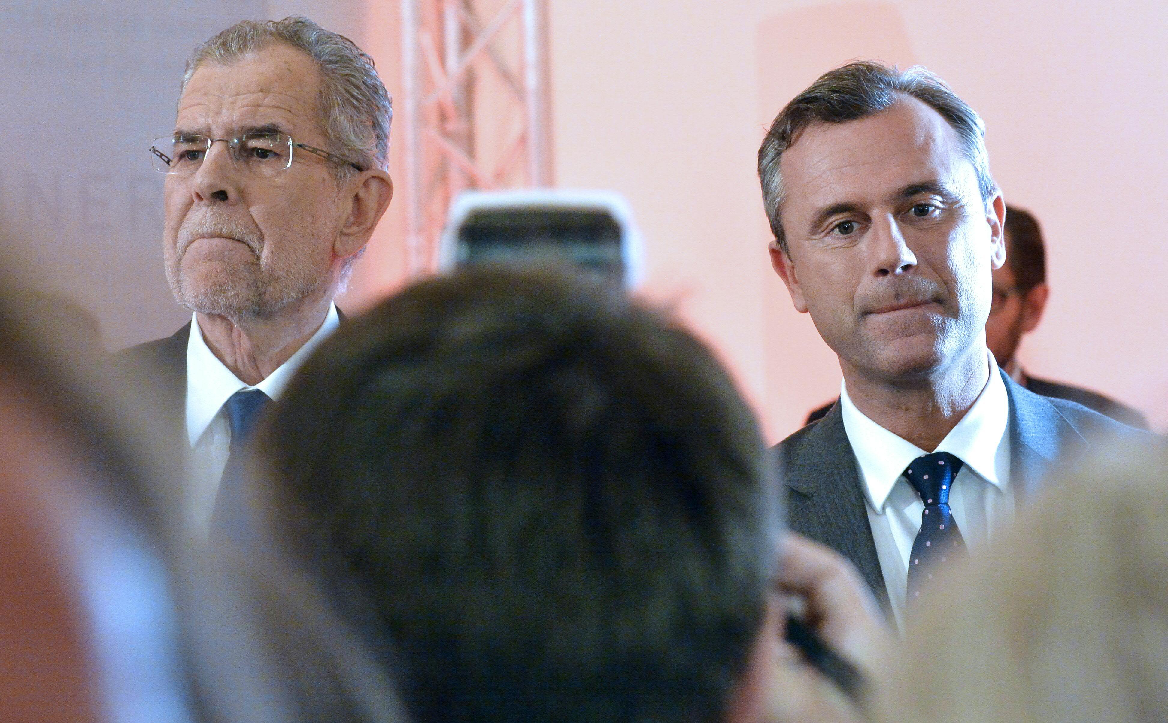 Ö-Präsidentenwahl wieder verschoben? Neue Blamage droht – Beschädigte Wahlkarten verschickt
