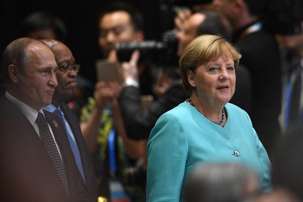 Merkel und Putin sprechen bei G20-Gipfel über Ukraine und Syrien