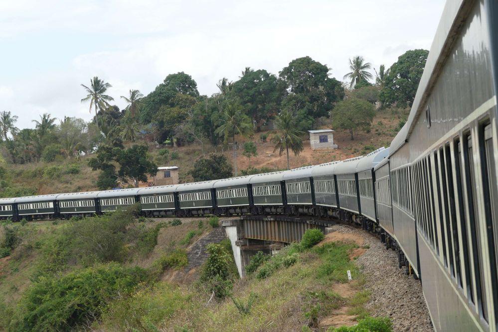 Rovos Rail auf dem Weg nach Dar Es Salaam Foto: Bernd Kregel