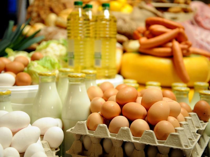 Reaktion auf EU-Sanktionen: Russland verlängert Einfuhrstopp für Lebensmittel bis Ende 2018