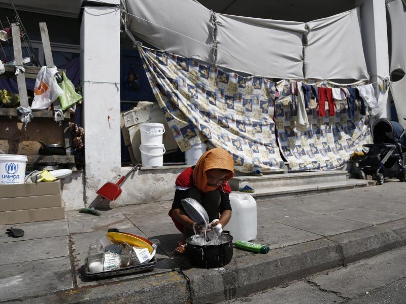 Pro Asyl, Wahltaktik und De Maizière: Flüchtlinge nach Griechenland abschieben