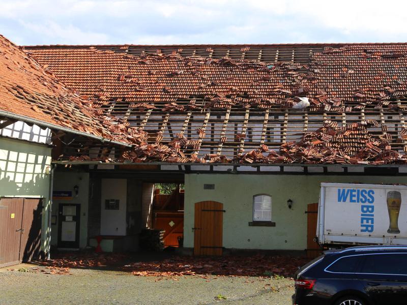 Tornado deckt Dächer im Landkreis Göttingen ab