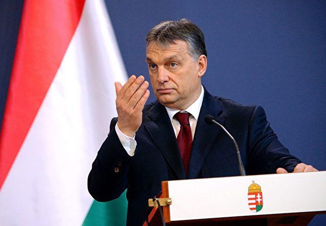 Ungarns Premierminister Viktor Orban kündigt ein Gesetz gegen die Flüchtlingsquote an. Foto: ATTILA KISBENEDEK/AFP/Getty Images
