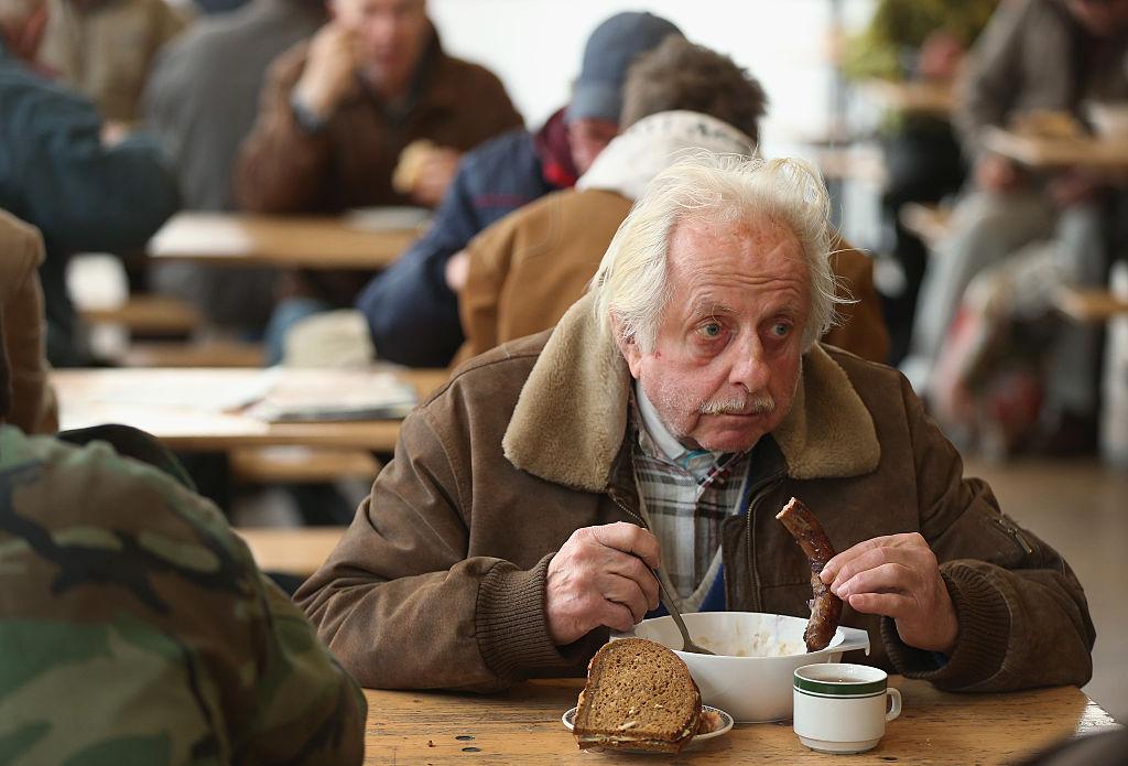 2,8 Millionen Menschen trotz Vollzeitjob von Altersarmut bedroht