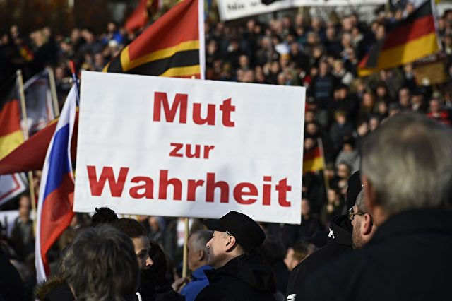Pegida-Demo in Dresden Foto: TOBIAS SCHWARZ/AFP/Getty Images