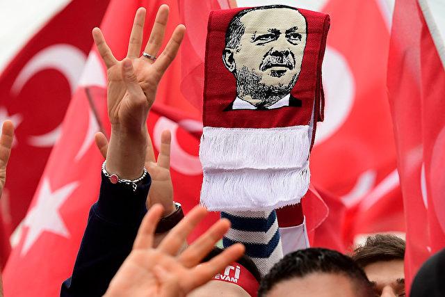 Personenkult um den türkischen Staatschef Recep Tayyip Erdogan Foto: Sascha Steinbach/Getty Images