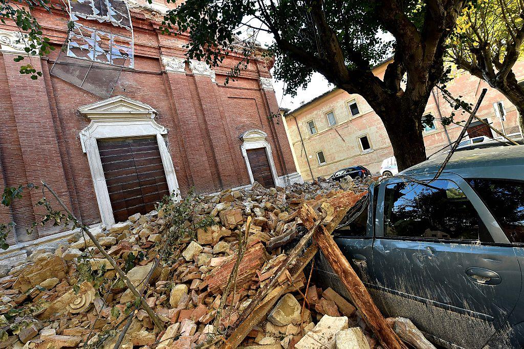 Tausende Italiener nach Erdbeben obdachlos – Hunde warnten eine halbe Stunde vor dem Beben