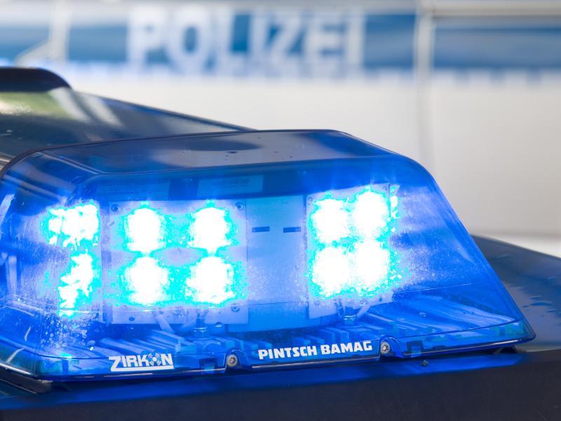 Bahnunfall in Hannover: Güterzug überrollt Personen – Drei Menschen sterben