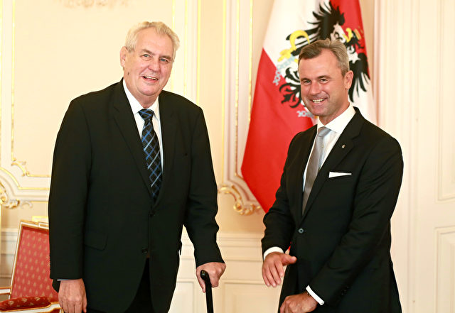 Czech President Milos Zeman (L) and Austrian presidential candidate Norbert Hofer pose for a picture at the Prague Castle in Prague, Czech Republic, on September 12, 2016. / AFP / Radek Mica        (Photo credit should read RADEK MICA/AFP/Getty Images)