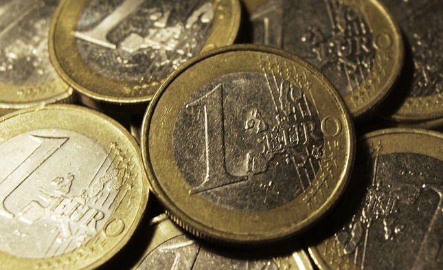 Italien-Entscheidung drückt Euro auf 20-Monats-Tief, Finanzmärkte trotzdem ruhig