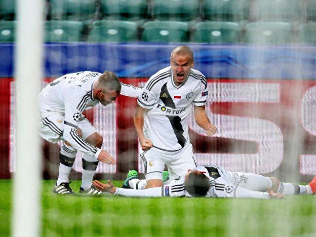 Legia Warschau kam zu einem überraschenden 3:3 gegen Real Madrid. Foto: Leszek Szymanski/dpa