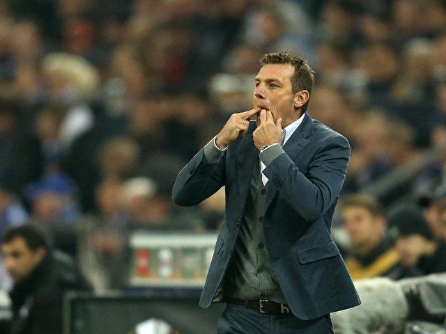 Die Mannschaft von Schalke-Trainer Markus Weinzierl hatte alles im Griff. Foto: Ina Fassbender/dpa