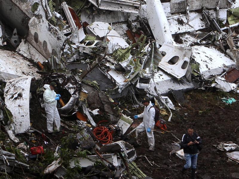 Medien: Treibstoffmangel womöglich Ursache für Flugzeugabsturz in Kolumbien