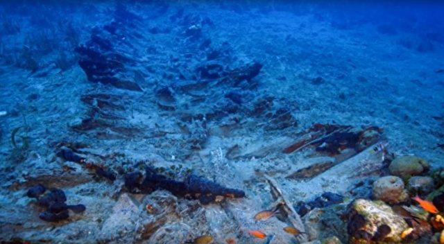 """Normalerweise liegen Wracks in Tiefen bis 100 Meter und sind bis auf wenige Reste bereits von Mikroorganismen """"abgeknabbert"""" Foto: Screenshot/youtube"""