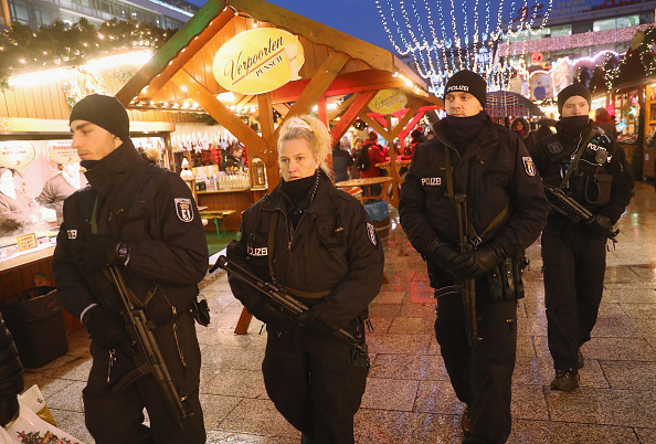 Polizei nach Berlin-Anschlag. 22. Dezember 2016. Foto: Sean Gallup/Getty Images