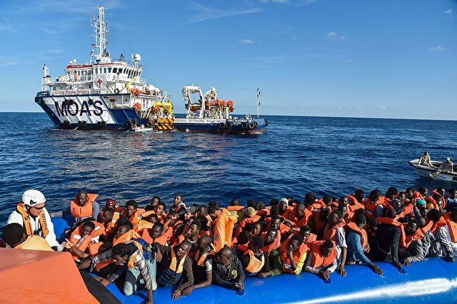 Die EU-Grenzschutzagentur Frontex rettet Flüchtlinge im Mittelmeer. 4. November 2016. Foto: ANDREAS SOLARO/AFP/Getty Images