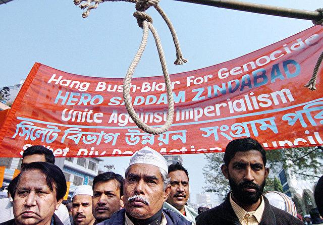 Proteste nach der Ermordung von Saddam Hussein. 5. Januar 2007. Foto: FARJANA K. GODHULY/AFP/Getty Images