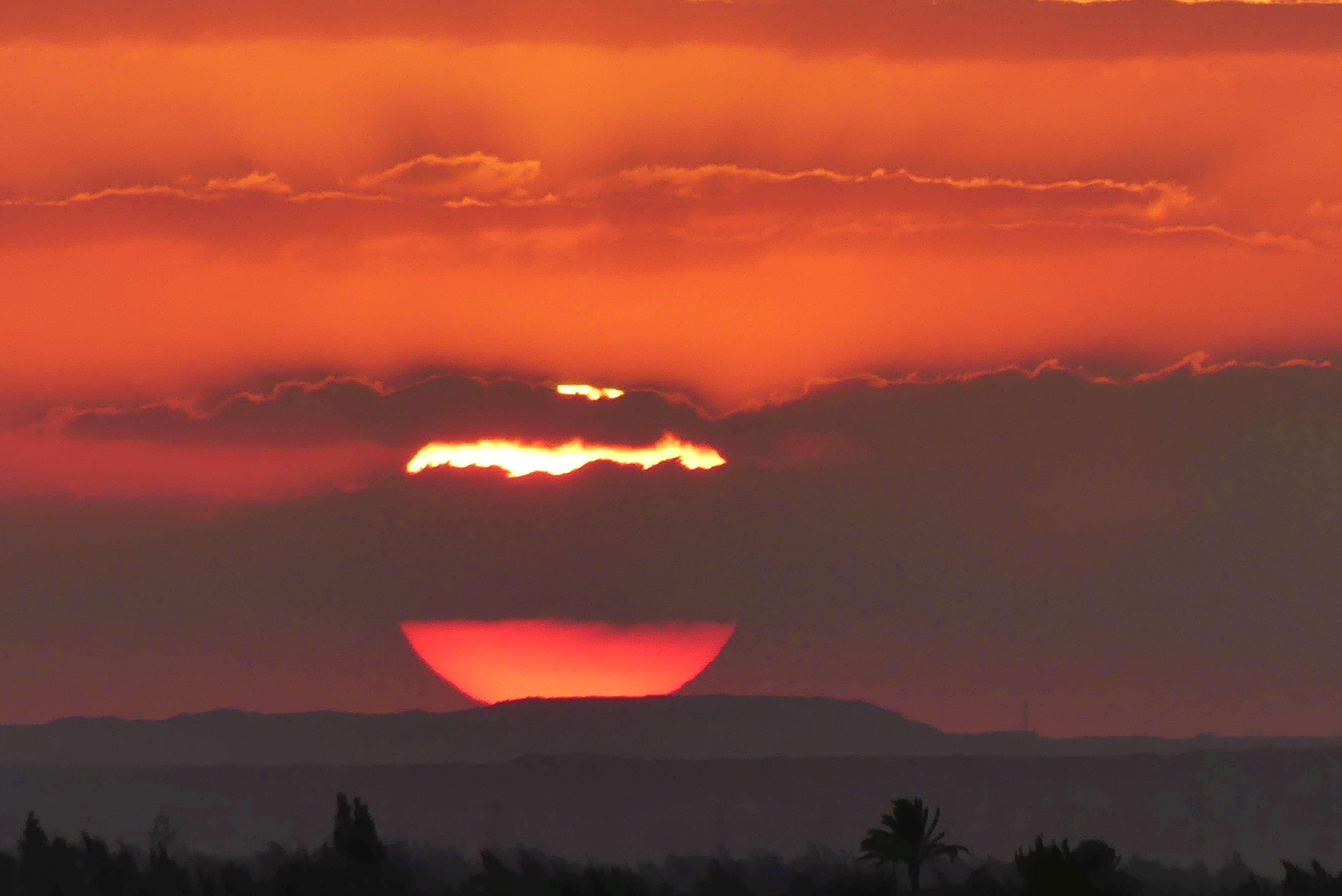 Sonnenuntergang am Roten Meer. Foto: Bernd Kregel