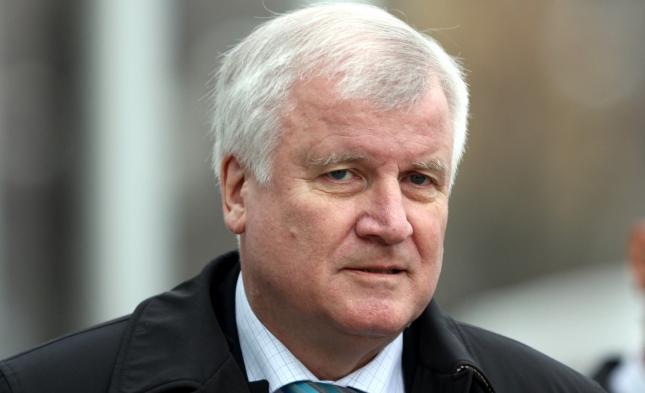 Seehofer: Ohne Obergrenze bei der Zuwanderung geht die CSU in die Opposition