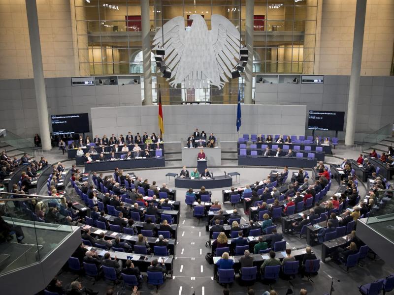 Bundestag könnte um fast hundert auf 695 Abgeordnete anwachsen