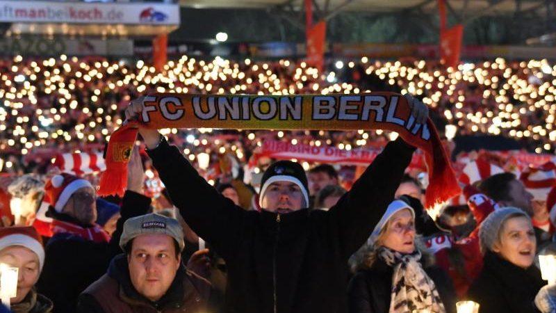 Weihnachtssingen Stadion Köln