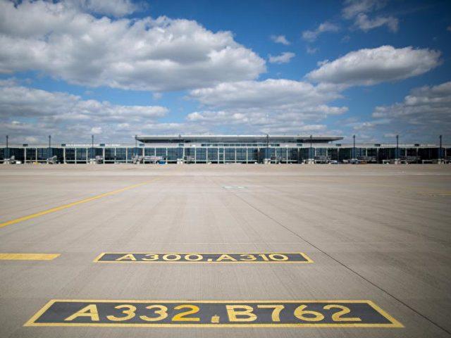 Baufirmen Berlin Brandenburg flughafengesellschaft verpflichtet baufirmen zur ber eröffnung 2019