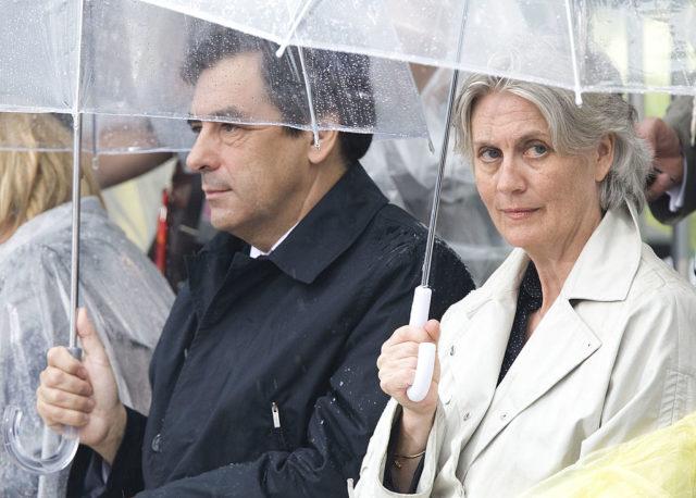 Der konservative französische Präsidentschaftskandidat François Fillon und seine Ehefrau Penelope Fillon. 3. July 2008. Foto: ROGERIO BARBOSA/AFP/Getty Images