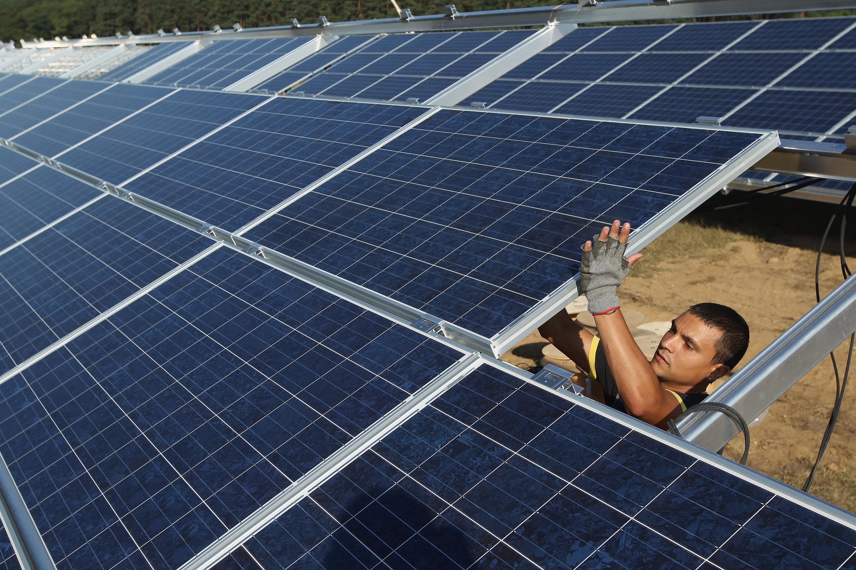 """""""Grüner Klicken"""": Apple und Facebook weit vor Amazon bei Nutzung von sauberem Strom"""