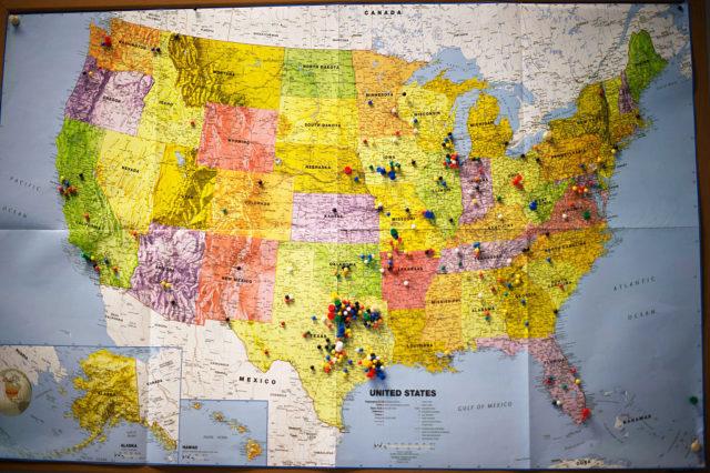USA Karte mit Pins zu den Wahlen. (Symbolbild). 31. Januar 2016. Foto: JIM WATSON/AFP/Getty Images
