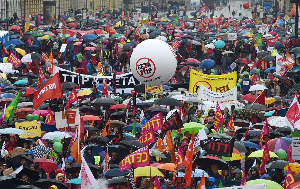 Mehr als eine halbe Million Österreicher unterschreiben gegen Freihandelsabkommen TTIP und CETA