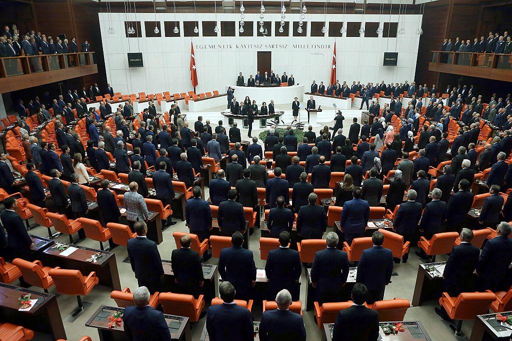 """Türkei: Armenischstämmiger Abgeordneter wegen """"Völkermord""""-Vorwurfs aus Parlament ausgeschlossen"""