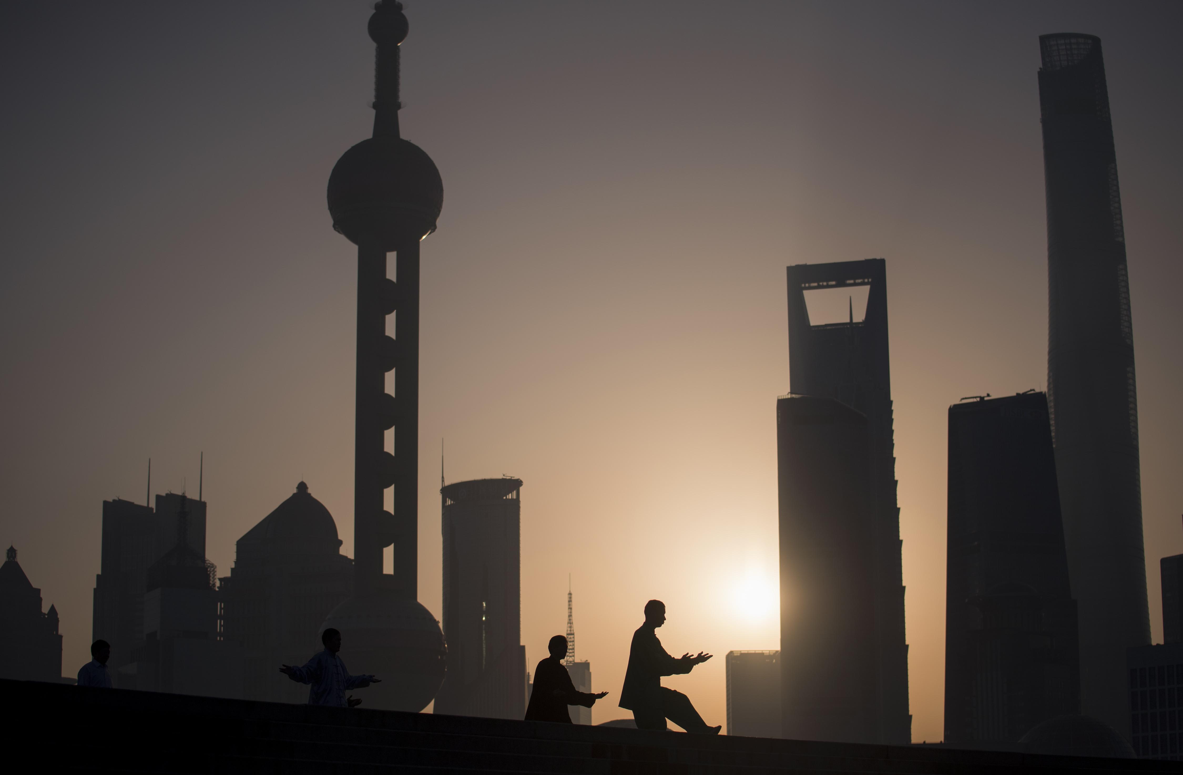 Chinas interner Machtkampf: Shanghais Oberbürgermeister geht – Xi Jinping erobert Jiang Zemins Hochburg weiter