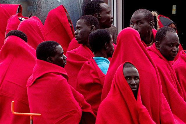Eurostat sagt für 2020er-Jahre 287.000 Migranten jährlich voraus - Schäuble erscheint Prognose zu hoch