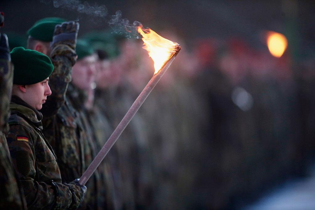 """Von der Leyen fordert """"Kultur der Offenheit"""" – Bundeswehr-Skandal in Elitekaserne Ausdruck von Führungsversagen"""