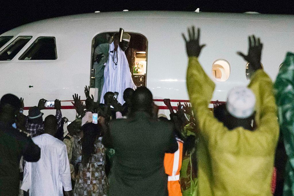 Krieg verhindert: Gambias abgewählter Präsident Jammeh geht ins Exil