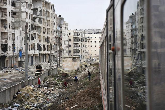 Nach der Befreiung von Aleppo fährt erstmals wieder ein Zug. 25. Januar 2017, Syrien. Foto: GEORGE OURFALIAN/AFP/Getty Images