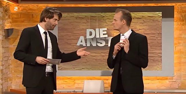 """Max Uthoff (r) und Claus von Wagner von der ZDF-Sendung """"Die Anstalt"""". Foto: Youtube/Screenshot"""