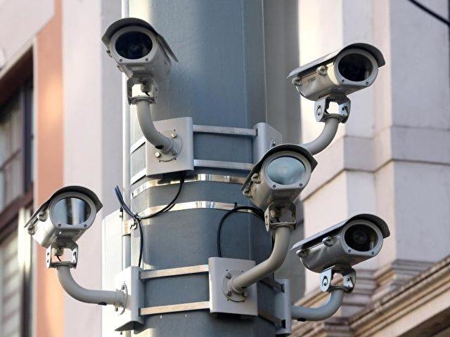 Videokameras in Duisburg. (Symbolbild) Foto: Roland Weihrauch/Illustration/dpa