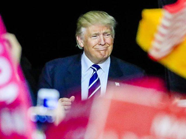 Trump, dessen Wahlkampf-Slogan «Amerika zuerst» lautete, ist die Produktion von US-Unternehmen im Ausland ein Dorn im Auge. Foto:Tannen Maury/dpa