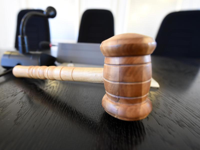 """Fachanwältin: Rechtsfragen für Geschäfte und Betriebe – """"Recht darf dem Unrecht niemals weichen!"""""""