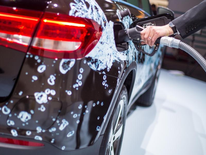 Autohersteller und andere Weltkonzerne wollen Wasserstoff-Antrieb im Auto voranbringen