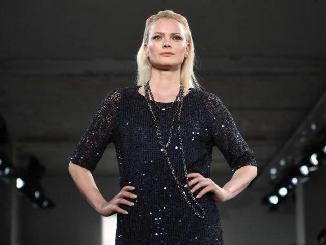 Model Franziska Knuppe muss auf der Fashion Week arbeiten. Foto: Britta Pedersen/dpa