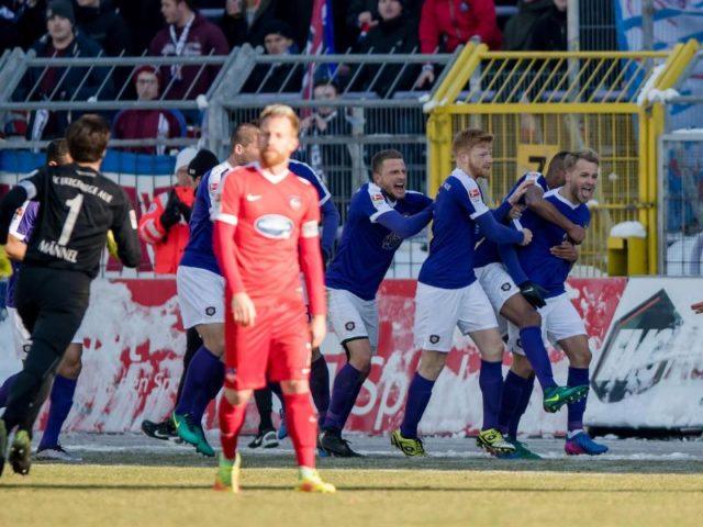 Erzgebirge Aue feierte einen späten Sieg gegen den 1. FC Heidenheim. Foto:/dpa