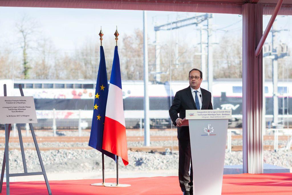 Polizist verletzt zwei Menschen bei Hollande-Rede unabsichtlich durch Schuss