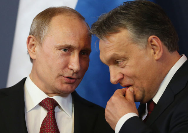 Russlands Präsident Wladimir Putin (l) und der Ungarische Premierminister Viktor Orban. 17. Februar 2015 in Budapest. (Symbolbild) Foto: Sean Gallup/Getty Images