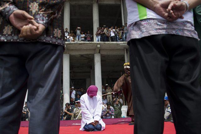 Unter Scharia-Gesetz herrschen strenge Sitten. Foto: CHAIDEER MAHYUDDIN/AFP/Getty Images