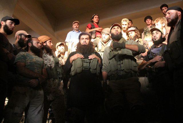 Anhänger der Al-Nusra Front in Syrien. (Symbolbild) Foto: OMAR HAJ KADOUR/AFP/Getty Images